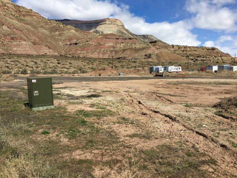 Lake Lot & 6 Industrial Lots : Palisade : Mesa County : Colorado