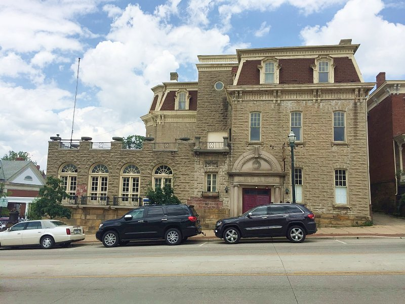 Auction - 16,858+/-sf Historical Ba : Lancaster : Fairfield County : Ohio