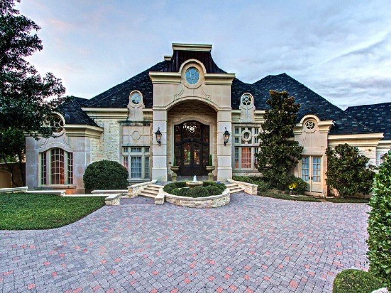 Premier Texas Estate Home Auction : Arlington : Tarrant County : Texas