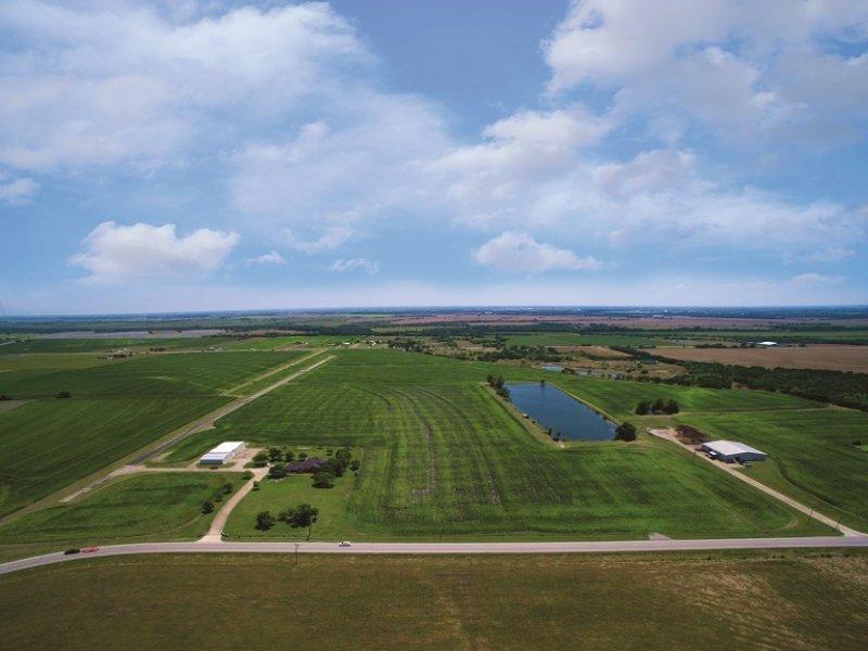 Airport, Home & Land Auction : Waxahachie : Ellis County : Texas