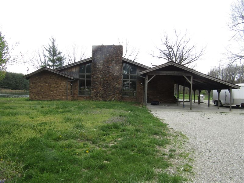 53 Acres With 3000+ Sq. Ft. Home : Centralia : Jefferson County : Illinois