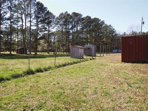 Auction Hobby Farm Near Town : Suffolk : Virginia Beach City County : Virginia