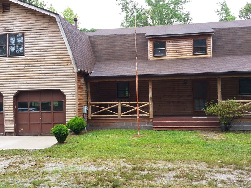 Log-Style Home On 3 Acres : Suffolk : Suffolk City County : Virginia