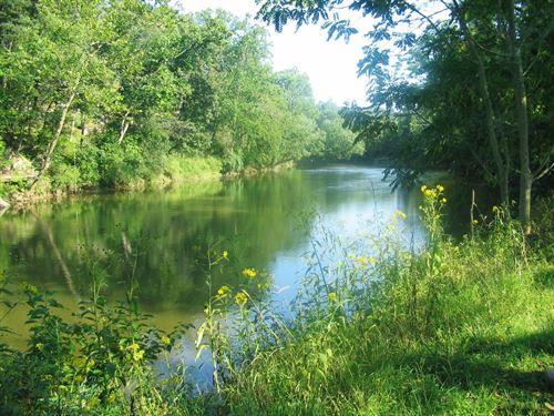 Perfect For Hunting / Fishing : Deer Lodge : Morgan County : Tennessee