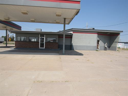 Online Auction 2 Service Stations : Turon : Reno County : Kansas