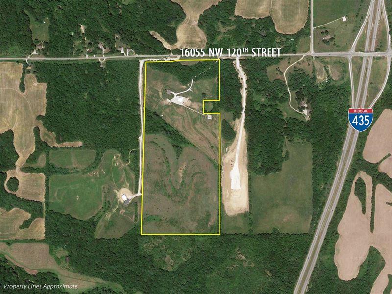 Private/Picturesque 65 Acre Estate : Platte City : Platte County : Missouri