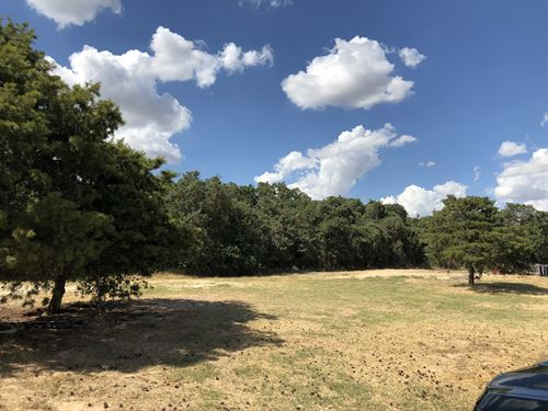 Beautiful Lot Ready To Build : Waco : McLennan County : Texas
