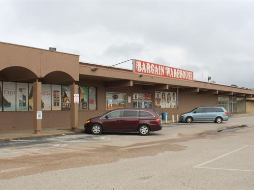 Commercial Building Auction : Longview : Rusk County : Texas