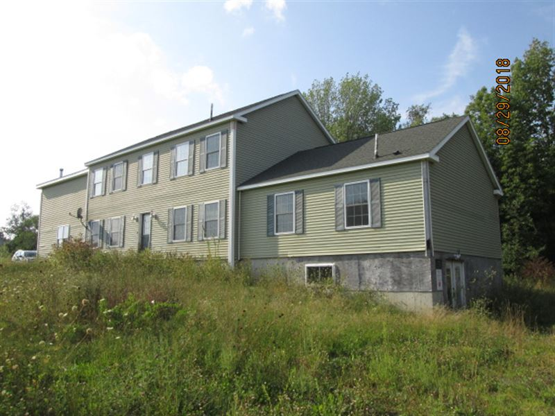 5Br 4.2Ba 3,942 sf Single-Fam : Newport : Penobscot County : Maine