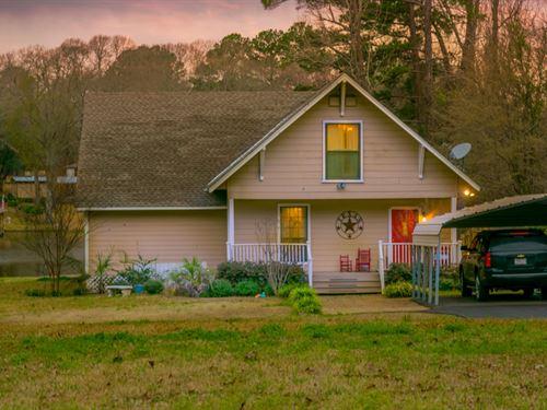 Lake Cherokee Home Auction : Henderson : Rusk County : Texas