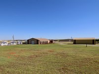 Oklahoma Property Indoor Arena : Weatherford : Custer County : Oklahoma