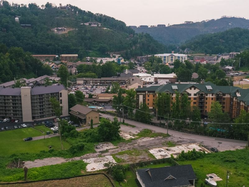 Commercial Business Lots Auction : Gatlinburg : Sevier County : Tennessee