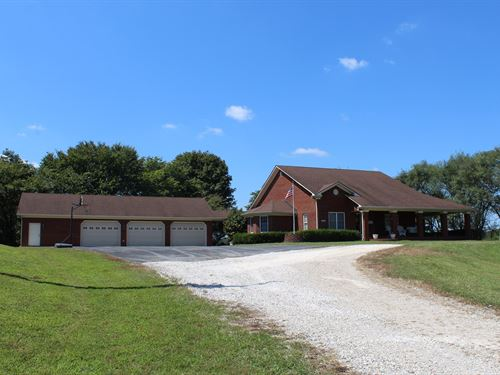 Beautiful Brick Home 20 Acres : Oakland : Warren County : Kentucky