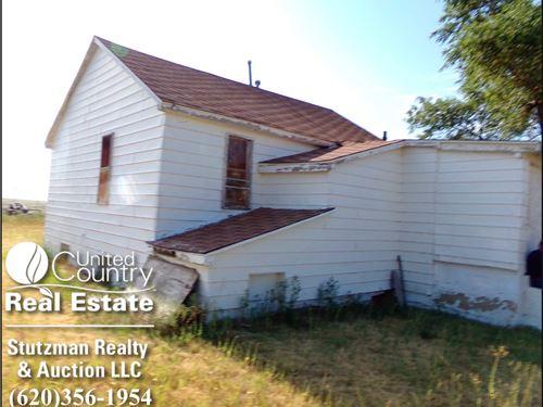 Real Estate Private Auction, 1200 : Syracuse : Hamilton County : Kansas