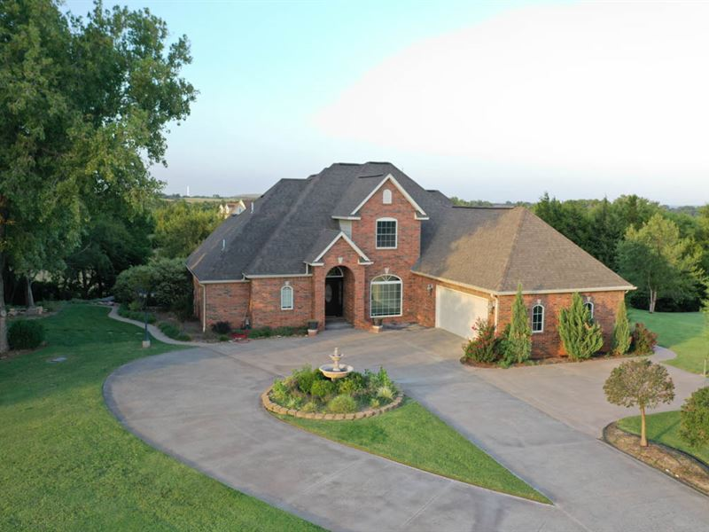 Custom Home & 7.8 Acres : Enid : Garfield County : Oklahoma