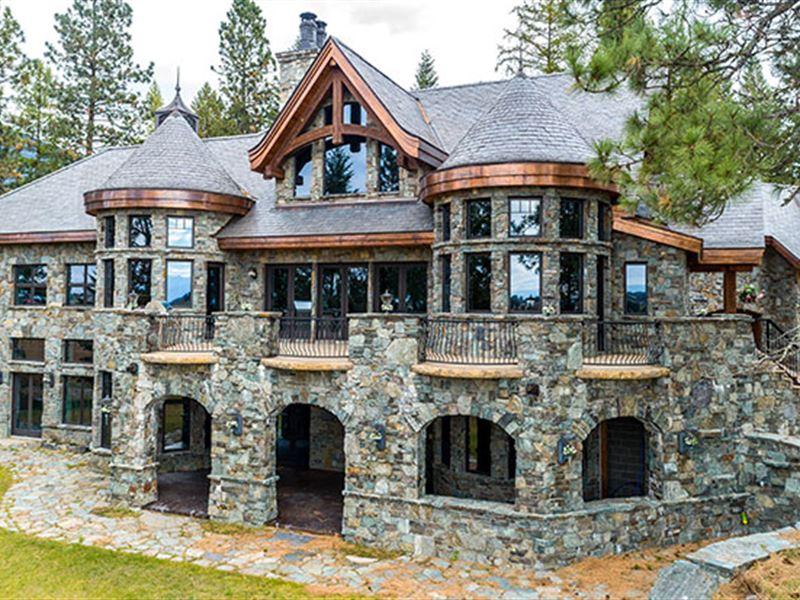 This Spectacular Multi-Level Hom : Kalispell : Flathead County : Montana
