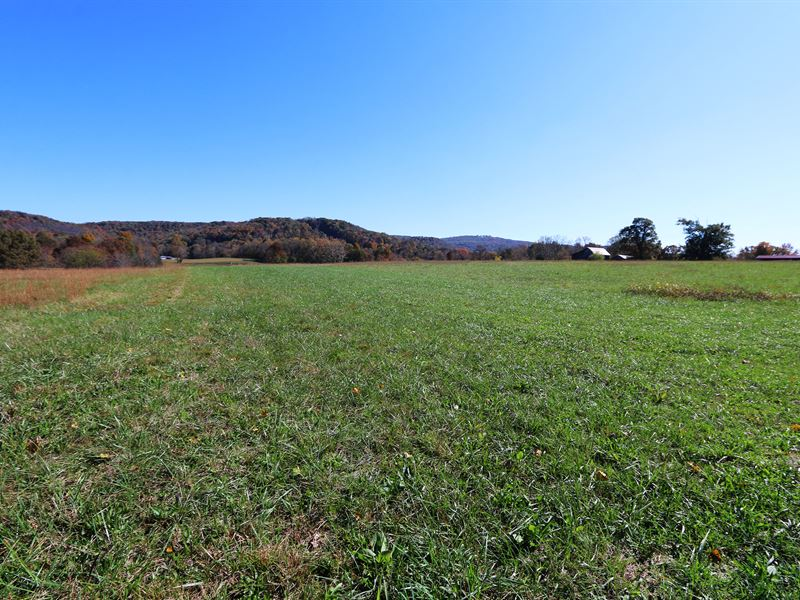 85 Ac in 10 Tracts, Homes & Creek : Cookeville : Putnam County : Tennessee