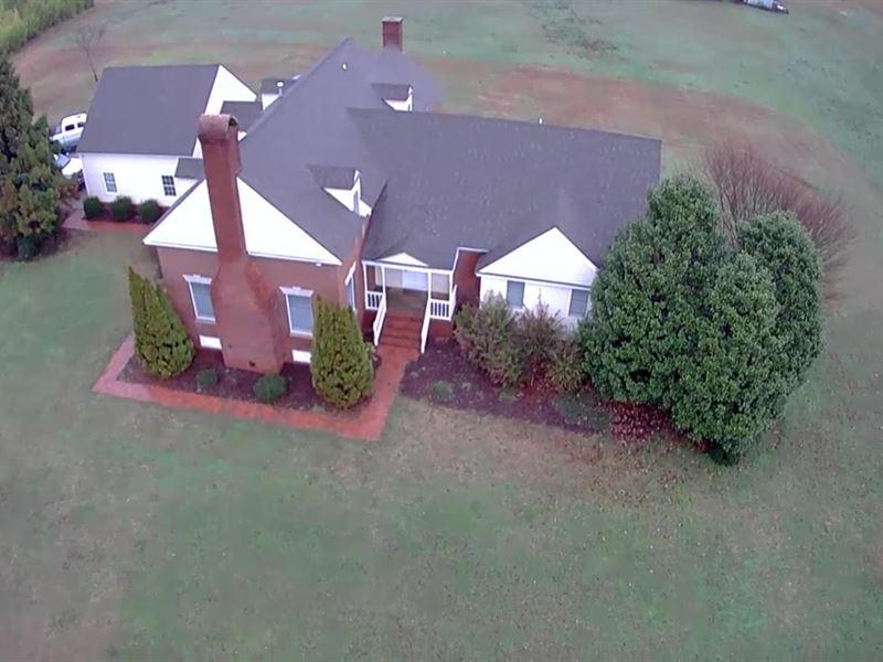 Large Home & Barn on 10 Acres : Barnesville : Lamar County : Georgia