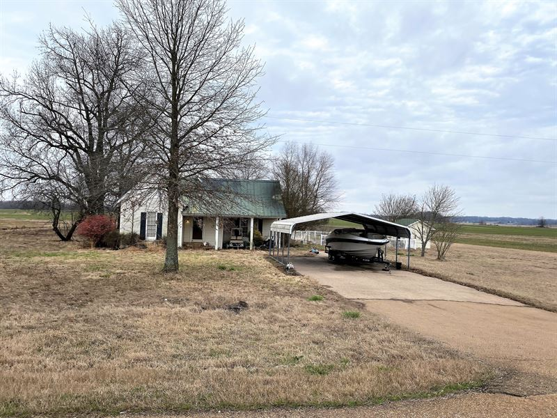 Single Family Home : Covington : Tipton County : Tennessee