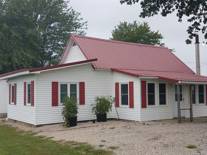 3 Bedroom, 1 Bath Country Home : Robinson : Crawford County : Illinois