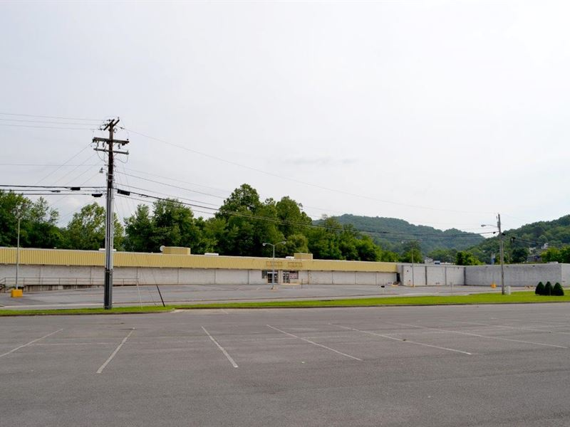 Sale 1, Prime Retail Property : Richlands : Tazewell County : Virginia