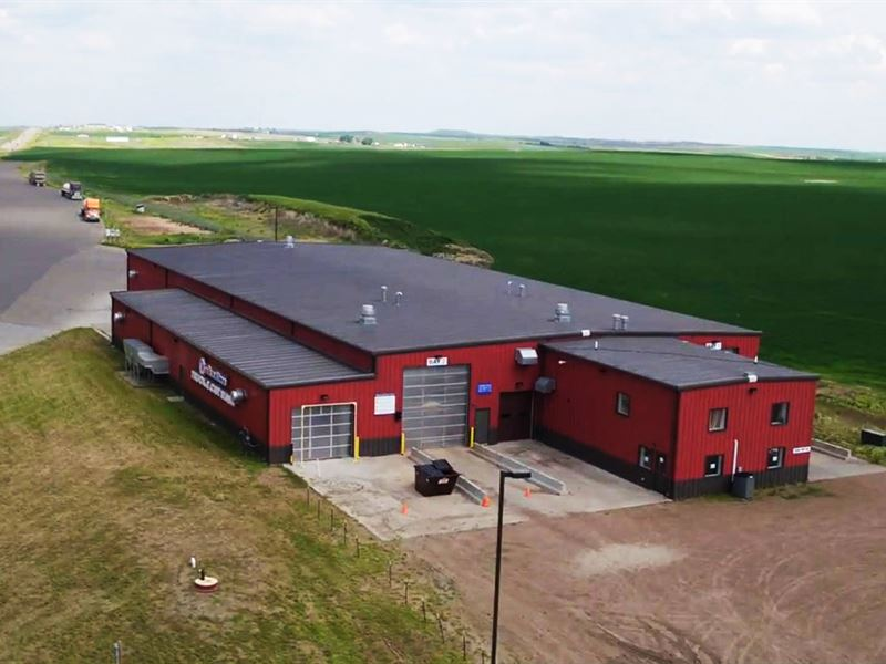 2.82 AC with 22,000 SF Industrial : Alexander : McKenzie County : North Dakota
