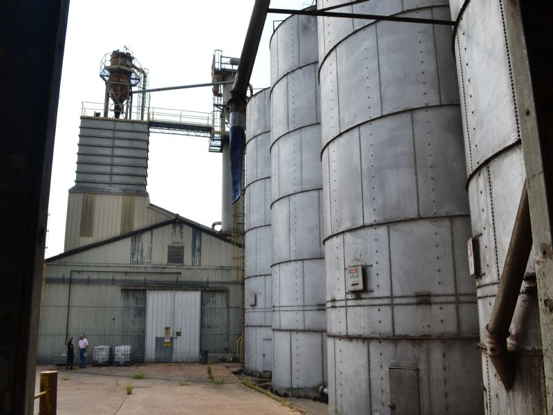 Feedmill On 27 Acres Auction : Greenville : Washington County : Mississippi