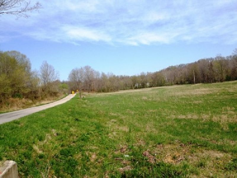 Home & Farm - Selling In 2 Tracts : Stephensport : Breckinridge County : Kentucky