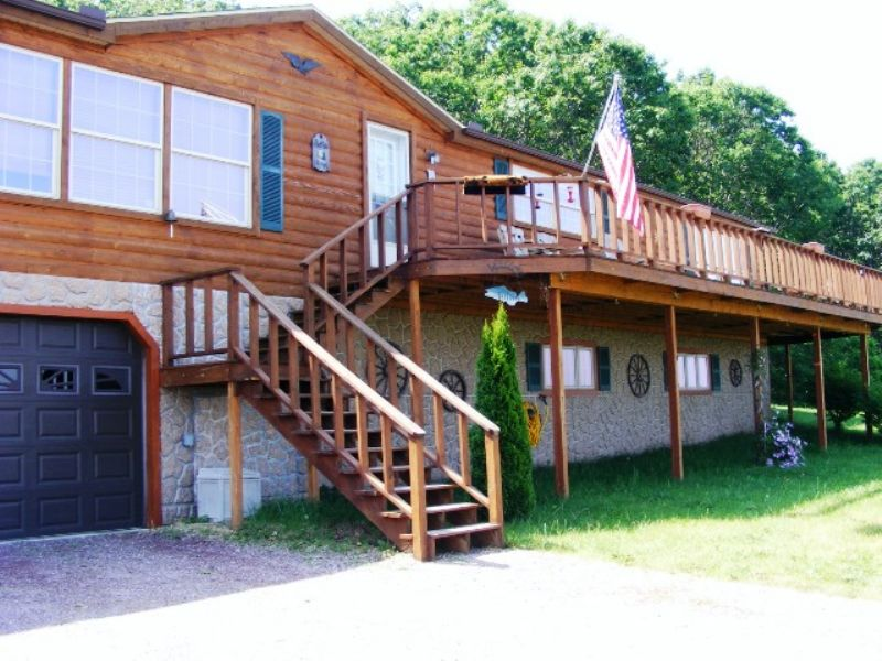 Buffalo Lake Residential Auction : Montello : Marquette County : Wisconsin