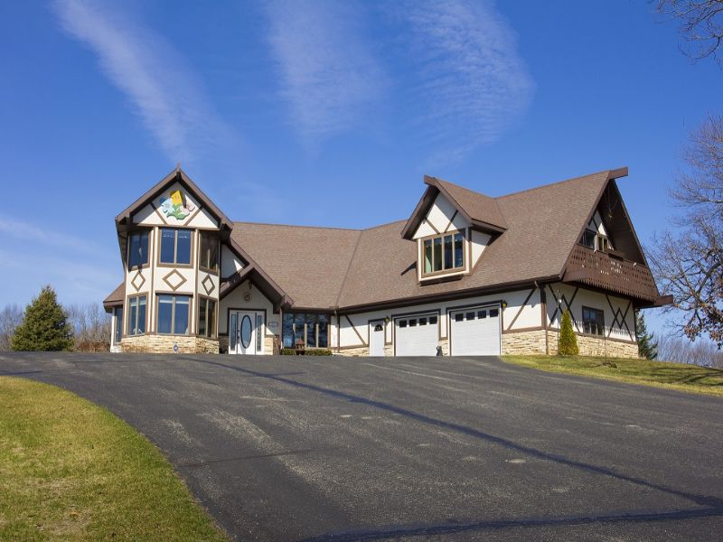 Custom-built Chalet-style Home : Reeseville : Dodge County : Wisconsin