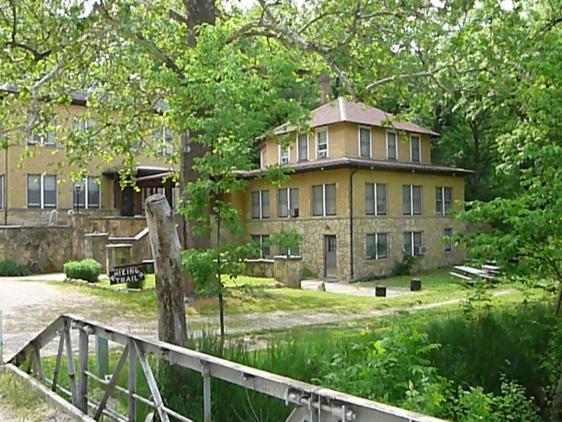 Sycamore Springs Resort Auction : Sabetha : Nemaha County : Kansas