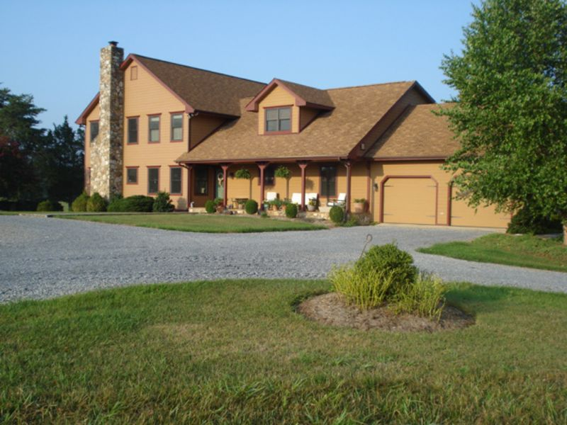 Absolute: 118 Acre Working Farm : Huddleston : Bedford County : Virginia