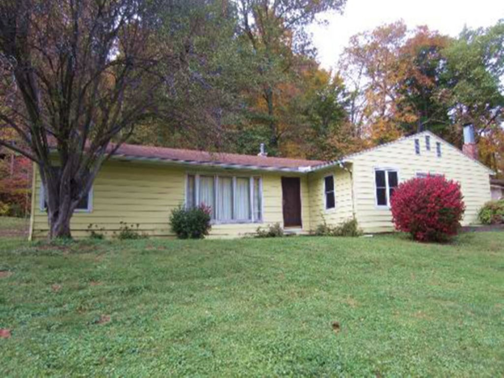 Absolute Ranch Home Auction- Online : Bloomington : Monroe County : Indiana