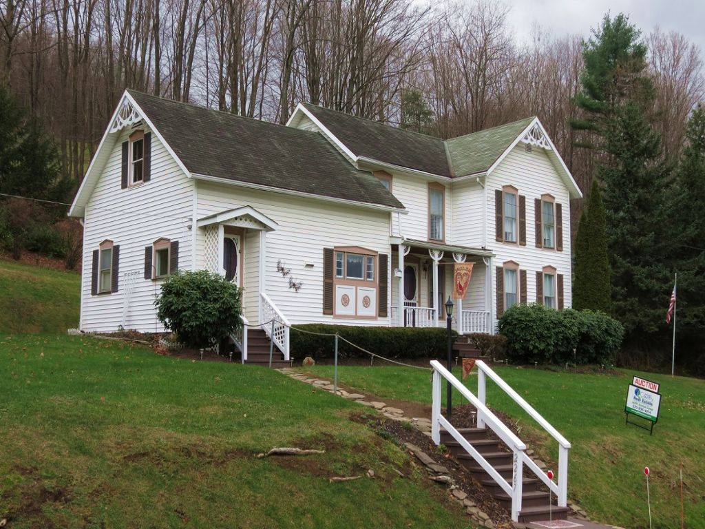 Country Home & Land Auction : Wellsboro : Tioga County : Pennsylvania