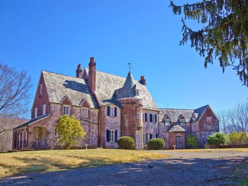 The Dos Passos Estate : Mendham : Morris County : New Jersey