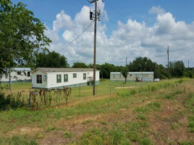 Income-producing Property Auction : Killeen : Bell County : Texas