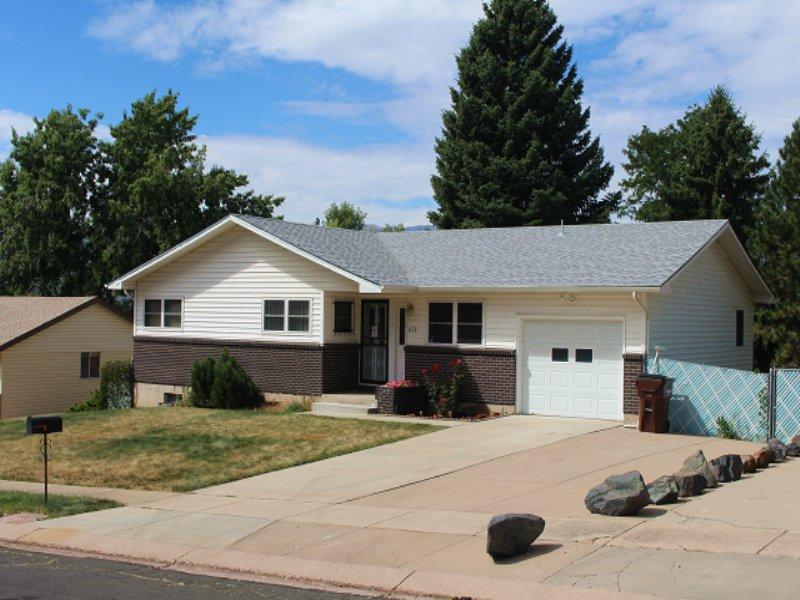 Ranch Style Home Online Auction : Colorado Springs : El Paso County : Colorado
