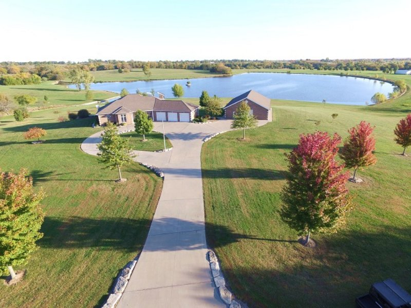 Live Real Estate Auction : Peculiar : Cass County : Missouri